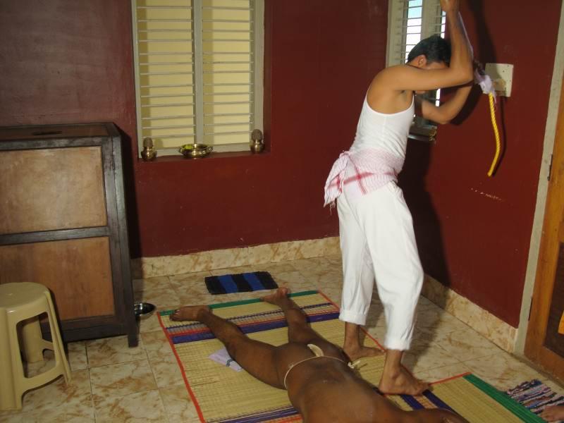 Chavutti Thirumal Foot Massage Course Ayurdhama